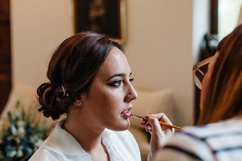 Maquillaje y peinados para novias e invitadas