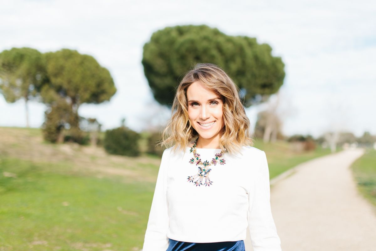 OUI Novias Calista-One-Blog-Lista-de-Bodas-online-invitada-perfecta-falda-terciopelo-16
