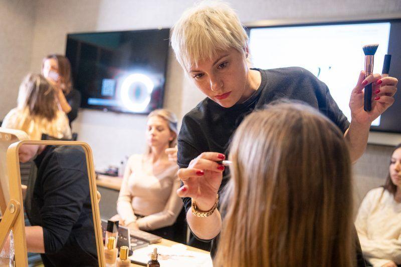 Workshop-de-maquillaje-para-novias-oui-novias-blog